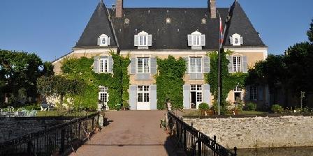 Château de Bezonnais Gîtes et Chambres au Chateau de Bezonnais, Chambres d`Hôtes Ecommoy (72)