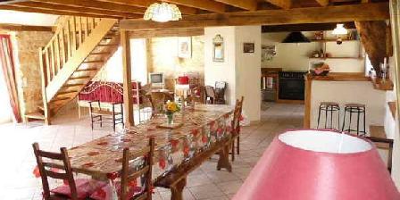 La Grange du Bos Très vaste séjour/salon/salle à manger. Espace, lROUFFILHAC (46)