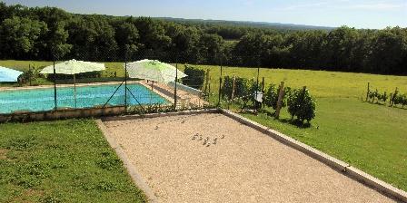 La Grange du Bos Terrain de pétanque, piscine et vue magnifique. ROUFFILHAC (46)