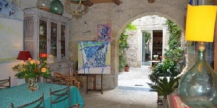 Bed and Art  Bed-and-art chambres d'hôtes et apartement dans demeure historique, Chambres d`Hôtes Calvisson (30)