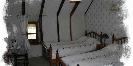 Chambres d'Hotes Caizac Chambres d'Hotes Caizac, Chambres d`Hôtes Saint Etienne De Carlat (15)