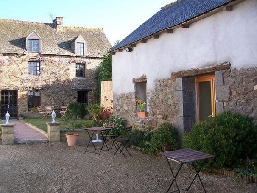 Ch d'hôtes La Clef du Four - Piscine chauffée couverte, Chambres d`Hôtes Plesder / Pleugueneuc (35)