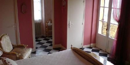 Le Petit Versailles  Le Petit Versailles - Chambres d'Hotes, Chambres d`Hôtes Beynac Et Cazenac (24)