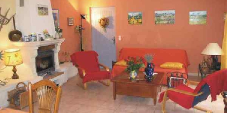La Soleillette La Soleillette, Chambres d`Hôtes Lacoste (84)