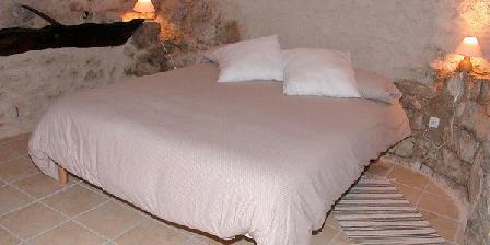Les Charbonniers Les Charbonniers, Chambres d`Hôtes Chateauneuf Val Saint Donat (04)