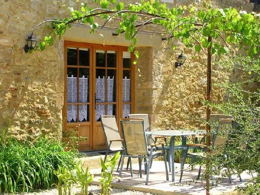 Domaine le Chapelier, Gîtes St Julien De Peyrolas (30)