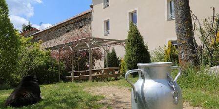 Gite la Source Gite la Source, Chambres d`Hôtes St Christophe D'Allier (43)