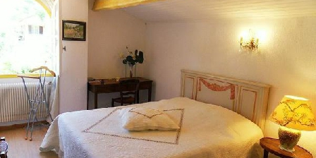Bed and breakfast Villa Le Bosquet > Villa Le Bosquet, Chambres d`Hôtes Carry Le Rouet (13)