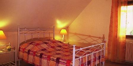 La Maison des Pains d'Epices La Maison des Pains d'épices, Chambres d`Hôtes Saint Martin Du Tartre (71)