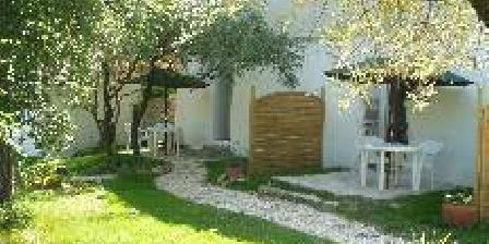 Villa des Oliviers Villa des Oliviers, Chambres d`Hôtes Boisset Et Gaujac (30)