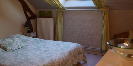 Le Petit Houssat Le Petit Houssat, Chambres d`Hôtes Vitry Aux Loges (45)