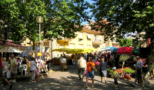 marché du dimanche à Limogne