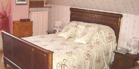 Les Chouettes Les Chouettes, Chambres d`Hôtes Charbuy (89)
