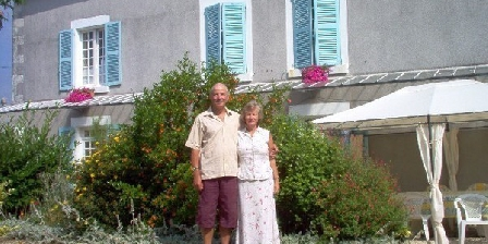 Maison Bois Fleurie Maison Bois Fleurie, Chambres d`Hôtes Souvigne (79)