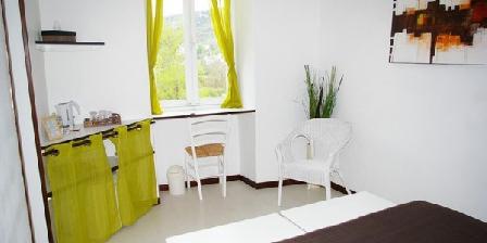 Un Jardin dans la Falaise Un Jardin dans la Falaise, Chambres d`Hôtes Cabrerets (46)