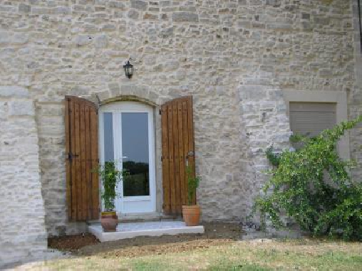Chambre Blanche de Castille, Chambres d`Hôtes Galargues (34)