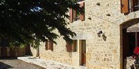 Les Gites de Line Les Gites de Line en Périgord, Chambres d`Hôtes Salignac Eyvigues (24)