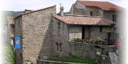 Gites l'Ostau Roeinca Gites l'Ostau Roeinca, Chambres d`Hôtes Meyras (07)