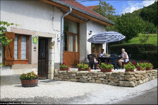 Gîtes des 3 hiboux (Bed and Breakfast), Chambres d`Hôtes Mondon (25)
