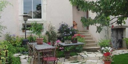 Au Jardin Au Jardin, Chambres d`Hôtes Messigny Et Vantoux (21)