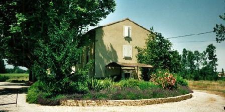 Domaine de la Fontaine Domaine de la Fontaine, Chambres d`Hôtes L'Isle Sur La Sorgue (84)