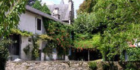 Le Gîte de la Fontaine Miraculeuse Le Gîte de la Fontaine Miraculeuse, Chambres d`Hôtes Favars (19)