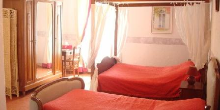 Le Petit Mas Le Petit Mas, Chambres d`Hôtes Sarlat La Caneda   ( Le Pontet ) (24)