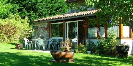 Le Jardin des Oiseaux Le Jardin des Oiseaux, Chambres d`Hôtes La Chapelle Montbrandeix (87)