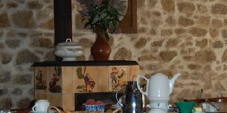 Atelier des Terres d'Héphaïstos Atelier des Terres d'Héphaïstos, Chambres d`Hôtes St Gervais D'Auvergne (63)