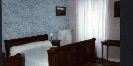 Aux Tourelles Aux Tourelles, Chambres d`Hôtes Couptrain (53)
