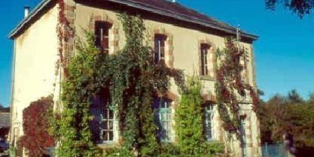 L'Ecole Buissonniere L'Ecole Buissonniere, Chambres d`Hôtes La Celle Dunoise (23)