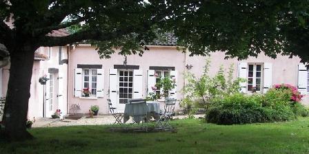 Au Jardinier Gourmand Au Jardinier Gourmand, Chambres d`Hôtes Saint Julien De Crempse (24)