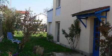 Les Coteaux B and B - Paris - Les Coteaux, Chambres d`Hôtes Argenteuil (95)