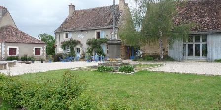 La Bourbonnaise Gars Roux, Chambres d`Hôtes Autry-Issards (03)