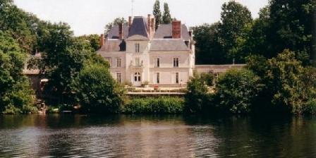 Chateau de Mirvault Chateau de Mirvault, Chambres d`Hôtes AZE,Chateau-Gontier (53)