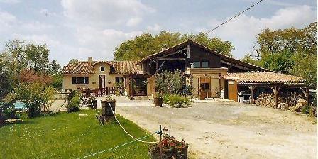 La Tuquette La Tuquette, Chambres d`Hôtes Castelnau-Barbarens (32)