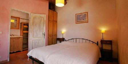 Domaine des Campeaux Domaine des Campeaux, Chambres d`Hôtes Saint Julien Le Montagnier (83)