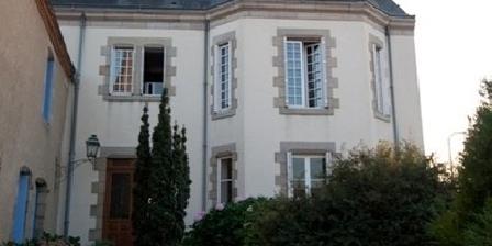 Le Petit Château  Le Petit Chateau - PUY DU FOU, Chambres d`Hôtes TIFFAUGES (85)