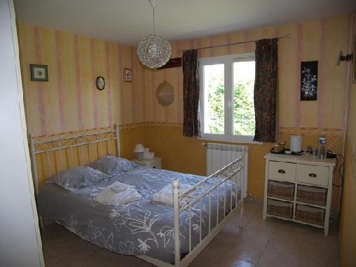Chambre d'hote Var - L'Amandière, Chambres d`Hôtes Nans Les Pins (83)