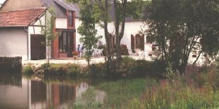 Le Lac aux Fees Le Lac aux Fees, Chambres d`Hôtes Henrichemont (18)