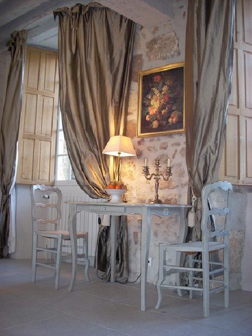 Château de Pérassier, Chambres d`Hôtes Néris-les-Bains (03)