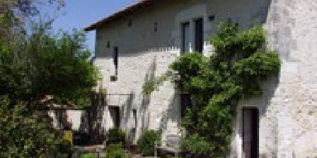 La Maison des Dîmes La Maison des Dîmes, Chambres d`Hôtes Saint-Aquilin (24)