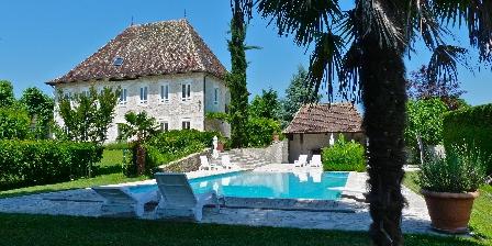 Domaine du Manoir Manoir en été, Chambres d`Hôtes Les Avenières (38)