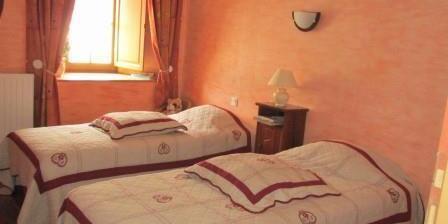 Chambres d'Hôtes Gratton Maguy Chambres d'hôte dans maison de caractère, Chambres d`Hôtes La Pommeraie Sur Sèvre (85)