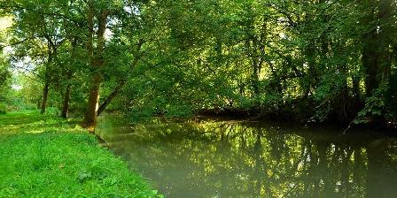 Chambre d'hotes Le Moulin de Vrin > LE MOULIN DE VRIN, Chambres d`Hôtes SANCERGUES (18)
