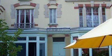 La Villa Jean-Jacques La Villa Jean-Jacques, Chambres d`Hôtes Martigny Les Bains (88)