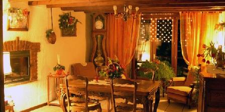 La Hulotte Chambres d'hôtes gites Rhône Monts du Lyonnais La Hulotte 69, Chambres d`Hôtes Villechenève (69)