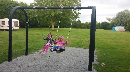 Balançoire et parcs pour tous, LA Croix-Galliot (35)