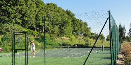 Château de Missandre Le court de tennis de Missandre