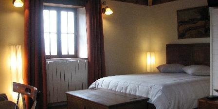Château de Missandre Chambre Tourterelle côté lit